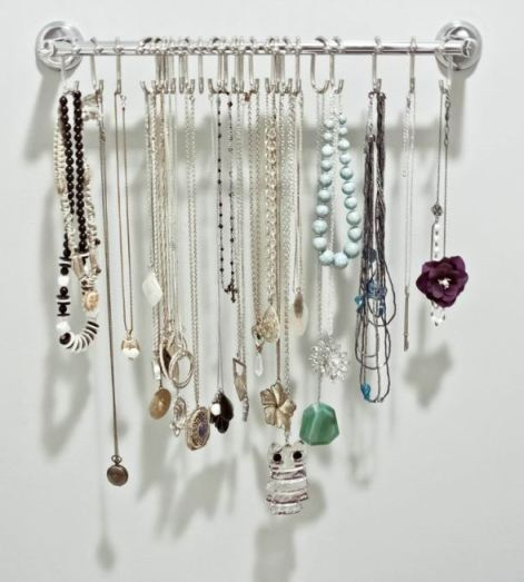 how-to-organize-necklaces